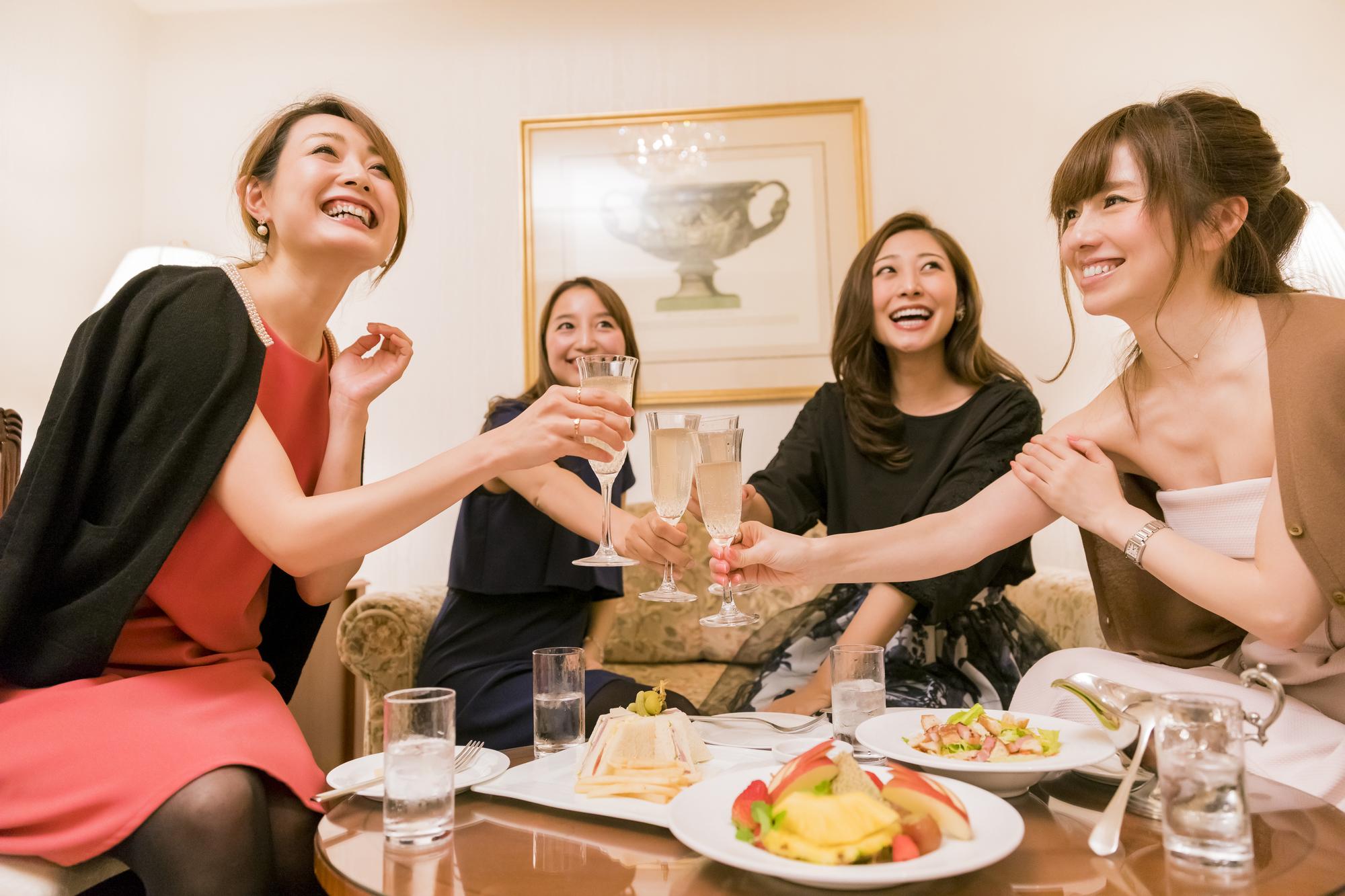 ラブホで誕生日女子会